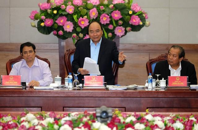 """Thủ tướng Nguyễn Xuân Phúc: Không để """"cò đất"""", xã hội đen mua bán đất lộng hành trên địa bàn"""