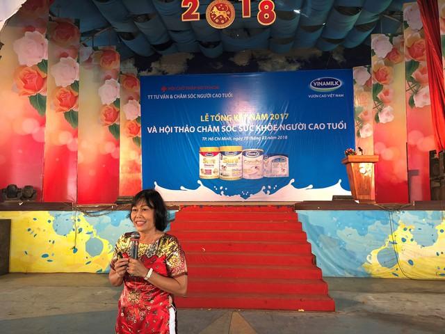 Bác sĩ Lê Kim Huệ, Nguyên Trưởng khoa Truyền thông Giáo dục sức khỏe, Trung tâm dinh dưỡng TP. HCM chia sẻ tại hội thảo.