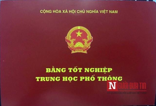 Ông Lý Minh Tuấn gửi ảnh chụp bằng Tốt nghiệp của Kim Ngọc cho PV.