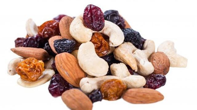 Hỗn hợp hạt khô là một bữa ăn nhẹ hoàn hảo, nhưng có thể gây ra một số vấn đề về đường ruột, gây ra khí. Có lẽ bạn chỉ cần chọn chocolate chip là đủ.