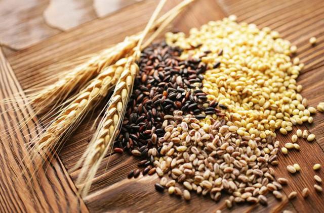 Tiêu thụ ngũ cốc nguyên hạt có thể làm giảm nồng độ đường huyết trong máu do tình trạng viêm protein phản ứng C gây nên.