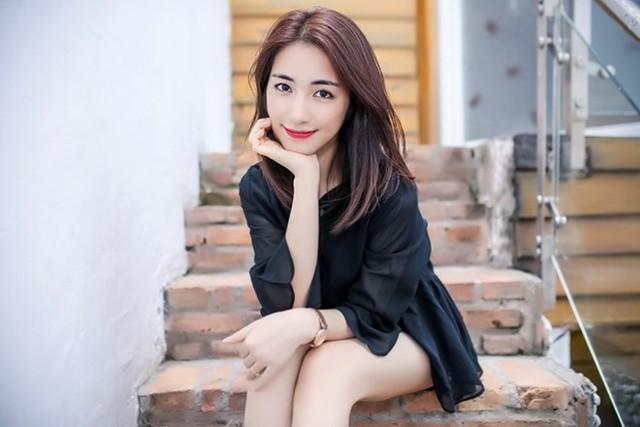 Hòa Minzy tiết lộ câu chuyện cô từng gặp phải người truyền giáo của Hội Thánh đức chúa trời.