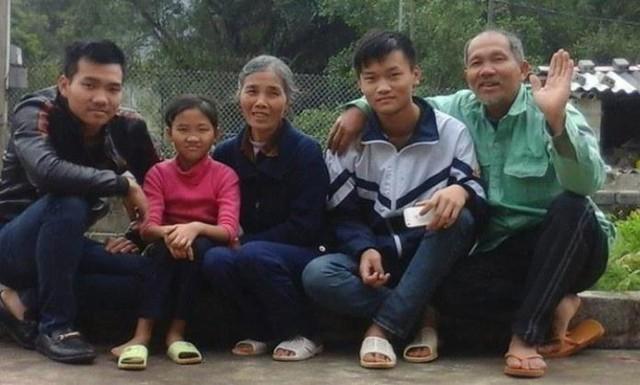 Gia đình cựu chiến binh Trần Bình Yên.