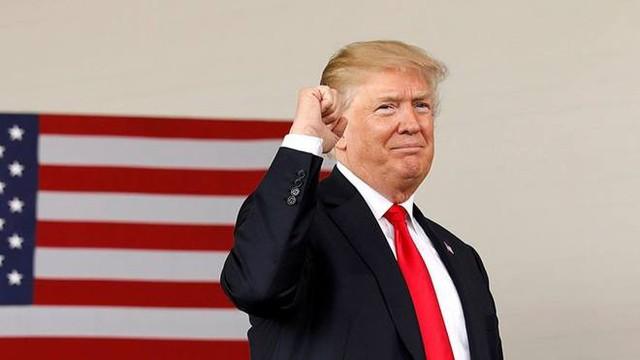 """Ông Trump bất ngờ """"vượt mặt"""" cựu Tổng thống Obama"""