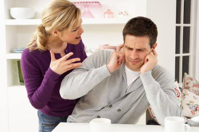 11 dấu hiệu chứng tỏ chồng đã ngán vợ đến tận cổ, chỉ muốn ly hôn