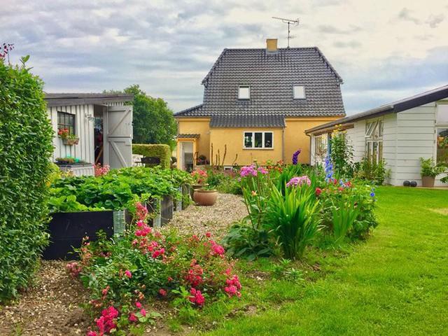 Góc làm vườn trước nhà
