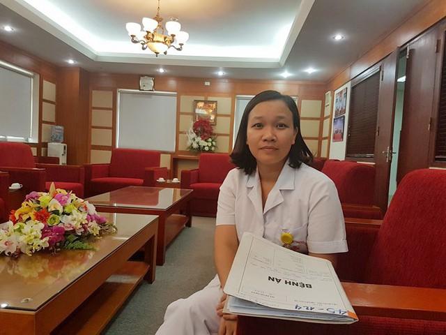 Ths.BS Hoàng Thị Hồng trong buổi làm việc với PV Báo GĐ&XH.