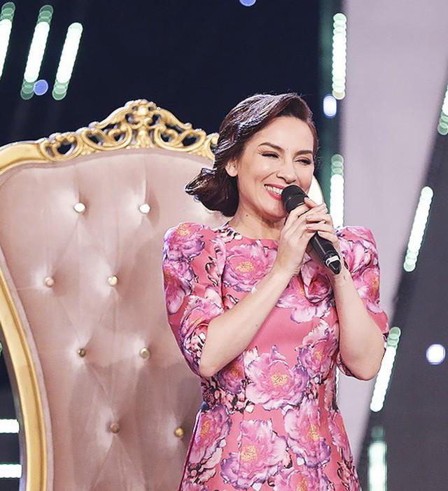 """Phi Nhung: """"Hồ Văn Cường không dám ngồi gần tôi"""""""