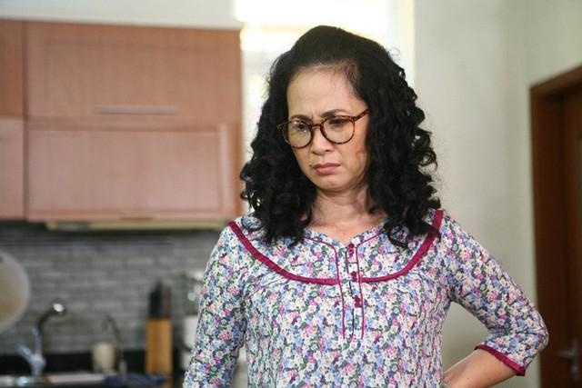 Bà Phương trong Sống Chung Với Mẹ Chồng là vai ác đầu tiên của NSND Lan Hương