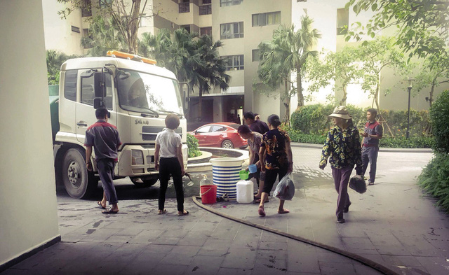 Khu đô thị cao cấp cũng … khát nước sạch