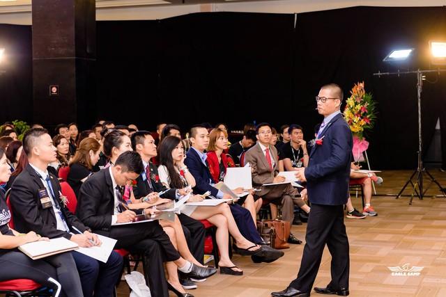 Cảm hứng được sẻ chia tại cuộc họp báo giới thiệu chuỗi chương trình nâng tâm khởi nghiệp Đánh thức sự giàu có và bảo vệ thương hiệu do Cty TNHH đào tạo doanh nhân tổ chức ngày 7/5. (ảnh: TG)