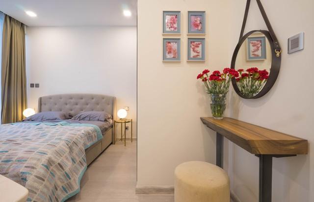 Các món đồ nội thất lớn như sofa, giường có thiết kế chắc chắn, bề thế phù hợp với chủ nhà làm công việc kinh doanh.