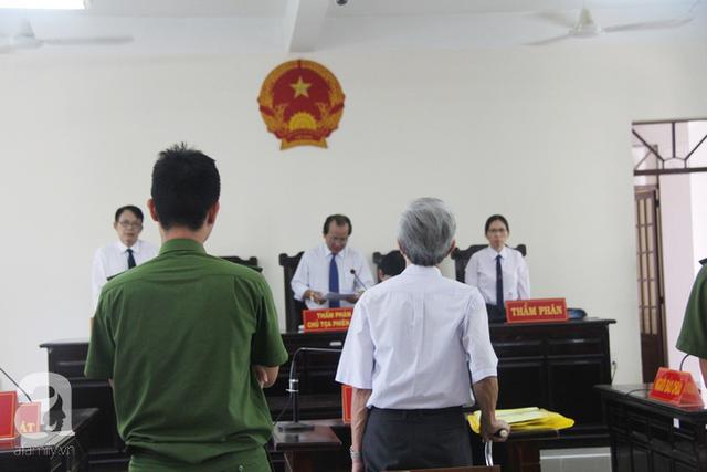 Mức án 18 tháng tù treo cho Thủy về tội Dâm ô với trẻ em gây bức xúc trong dư luận.