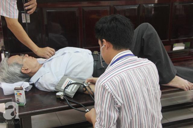 Cả hai phiên tòa, Thủy đều nhờ sợ trợ giúp của y tế.