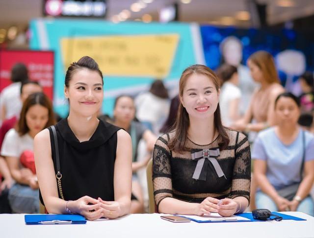 Hồng Quế ngồi ghế giám khảo tại buổi casting