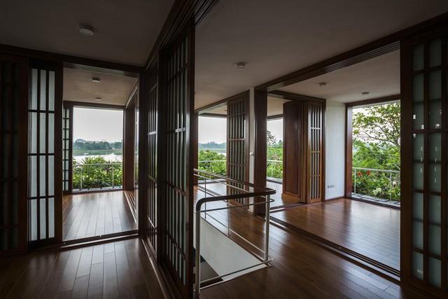 Càng lên cao, ngôi nhà càng có view nhìn rộng, thoáng.