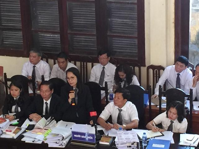Luật sư Trần Hồng Phúc (bào chữa cho bị cáo Hoàng Công Lương) đề nghị triệu tập đại diện Bộ Y tế
