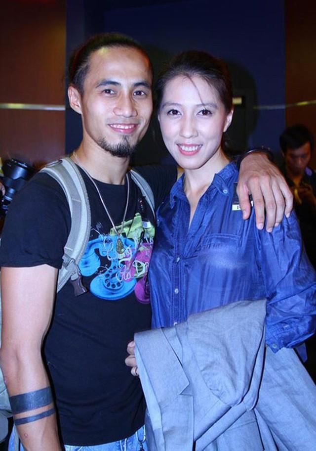 Phạm Anh Khoa và vợ - chị Thùy Trang.