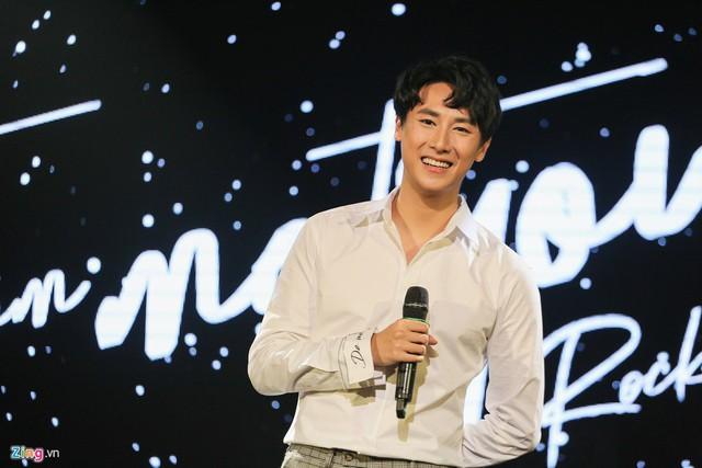 Rocker Nguyễn từng được khán giả kỳ vọng sẽ trở thành hình mẫu nghệ sĩ đa năng.