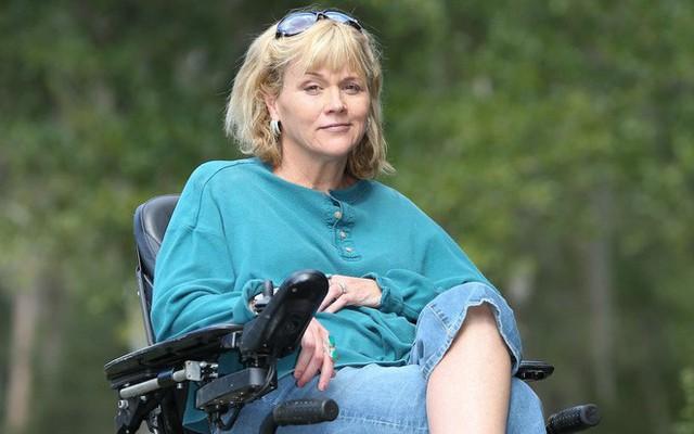Samantha Markle cho biết Hoàng gia Anh không hỗ trợ cha mình trong ca phẫu thuật tim.