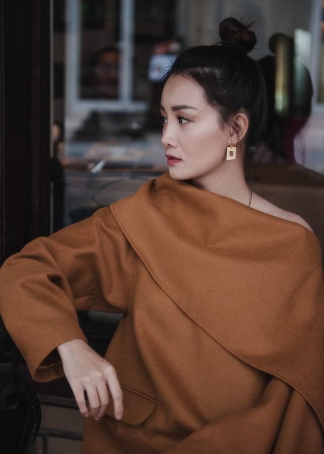 Quỳnh Chi đã rút ví hàng tỷ đồng để mua đồ hiệu đầu tư cho việc thay đổi hình ảnh của bản thân.