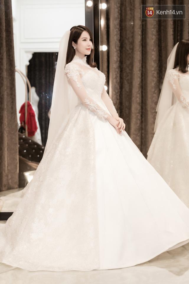 Diệp Lâm Anh đẹp mong manh đi thử váy cưới trước ngày trọng đại