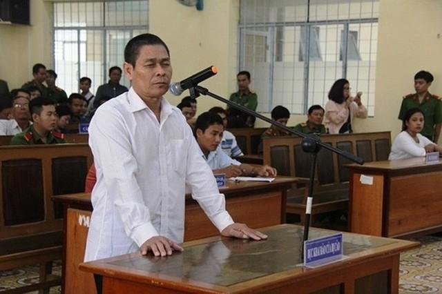 Mức án sơ thẩm dành cho Hữu Bê là 7 năm tù về tội Dâm ô với trẻ em.