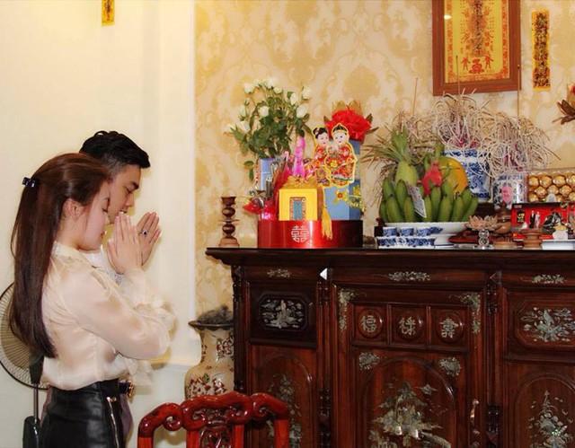 Vợ sắp cưới của Hà Duy tên Hà My, sinh năm 1994 và đang làm giảng viên của Đại học Quốc gia Hà Nội. Với vẻ ngoài xinh đẹp, cô từng được cộng đồng mạng lùng sục tìm kiếm vào mùa thi đại học năm 2015 khi làm giám thị tại điểm thi Đại học Công đoàn.