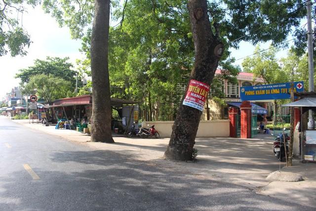 Khu vực cổng phòng khám Tuy Hòa, nơi sản phụ S. xuất hiện và bắt xe ôm. Ảnh: Đ.Tùy