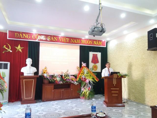 Ông Võ Thành Đông, Phó Tổng cục trưởng Tổng cục DS-KHHGĐ (Bộ Y tế) phát biểu tại Lễ Kỷ niệm 10 năm thành lập Chi cục DS-KHHGĐ tỉnh Hòa Bình.