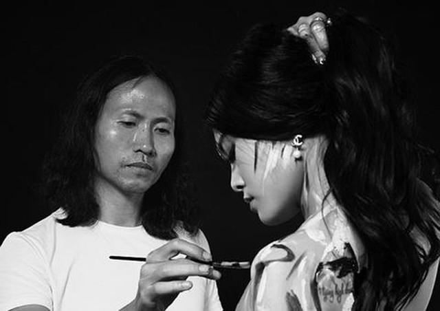 Họa sĩ Ngô Lực được coi là một trong những người góp phần đưa nghệ thuật body painting về Việt Nam