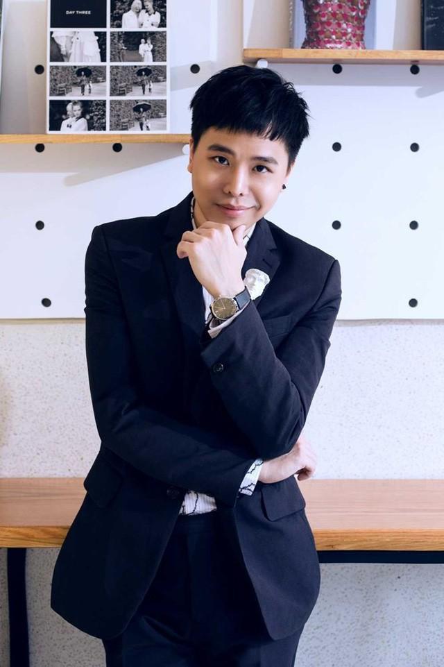 Là người khá ít khi bình luận các vấn đề showbiz nhưng Trịnh Thăng Bình cho rằng Lê Minh Sơn đang tự phụ khi cho rằng âm nhạc của người khác là tầm thường.