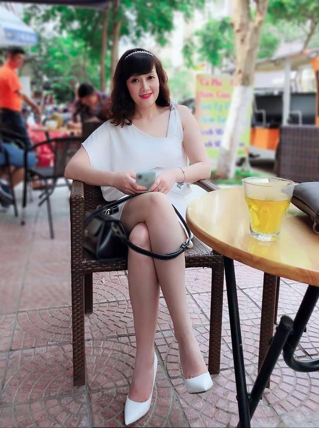 Nhan sắc quyến rũ hiện tại của Vân Dung.