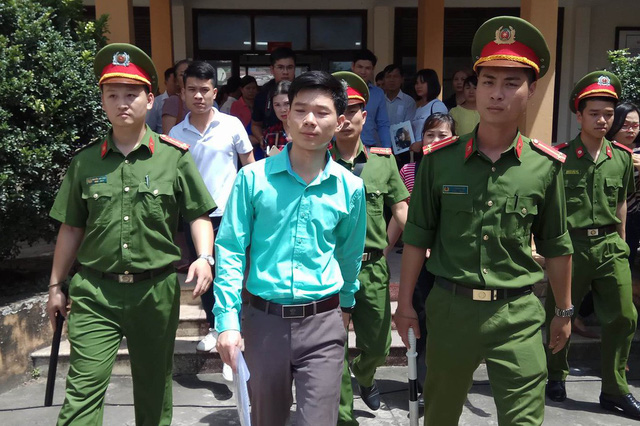 BS Hoàng Công Lương bị rút giấy phép hành nghề khám, chữa bệnh.