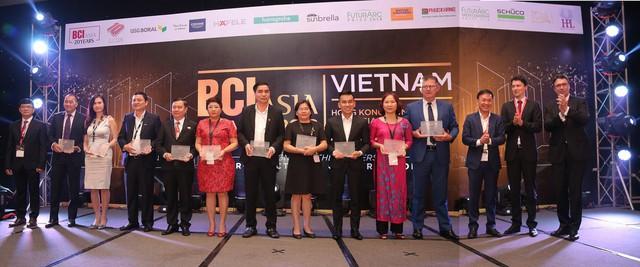 Các đại diện doanh nghiệp nhận giải BCI Asia Top 10 Developers 2018