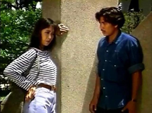 NSND Hồng Vân và Lê Tuấn Anh trong phim Cô thủ môn tội nghiệp năm 1996.