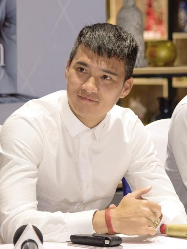 """Cựu tuyển thủ Lê Công Vinh tại buổi ra mắt cuốn tự truyện """"Phút 89"""". Ảnh: TL"""