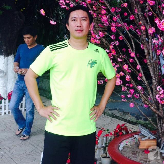Ông bố trẻ Ngọc Vũ bận rộn với công việc giảng dạy vẫn dành thời gian tự tay xây bể bơi mini cho con.