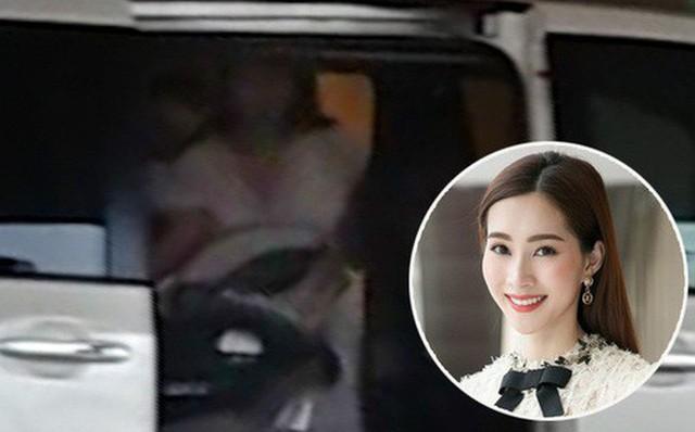 Hình ảnh Hoa hậu Đặng Thu Thảo cùng con mới sinh về nhà cách đây hơn 1 tháng
