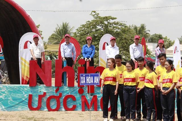 Nghi thức khởi công cầu Dr Thanh – Xẻo Sành được thực hiện để sớm đưa cầu vào sử dụng trong niềm háo hức của bà con người dân.