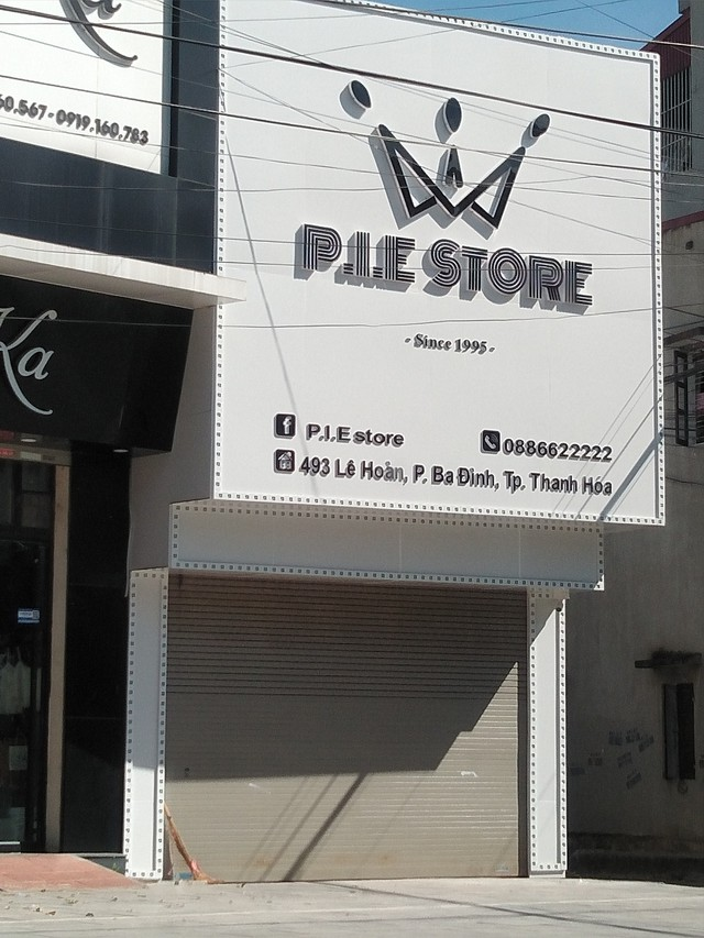 Cửa hàng số 493 đường Lê Hoàn, nơi xảy ra nghi vấn nổ súng, chiều ngày 30/5 đã đóng cửa