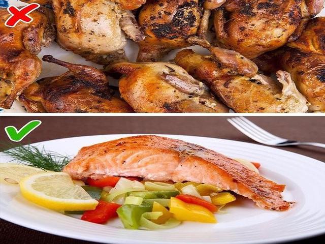 Tránh ăn những bữa ăn lớn trong đêm và trước khi ngủ. Ảnh: Boldsky