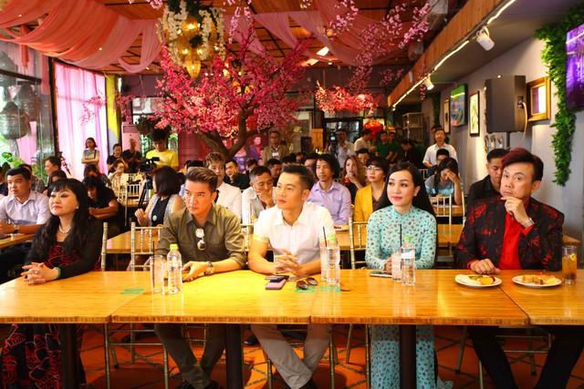 Hương Lan nói không có Đàm Vĩnh Hưng, Chí Tài, và Hoài Linh thì làm liveshow Hương Lan - Một đời sân khấu để làm gì.