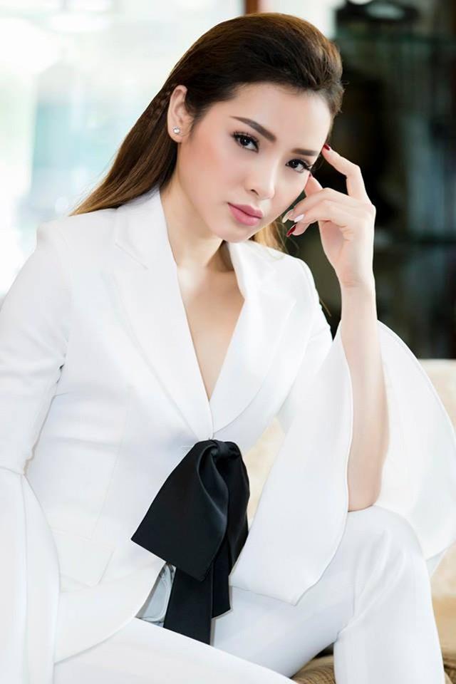 Nữ ca sĩ, diễn viên thẳng thắn đáp trả những lời gọi mời khiếm nhã khi làm nghề.