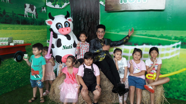 MC Thanh Bạch hoạt náo tại Ngày Sữa Thế Giới 2018 cùng các em thiếu nhi