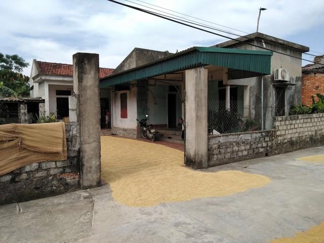 Ngôi nhà nơi cháu T đang sinh sống với bà ngoại.