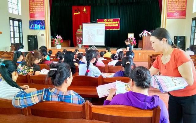 Chi cục DS-KHHGĐ tỉnh Thái Bình tổ chức Hội nghị tập huấn về công tác DS-KHHGĐ cho lãnh đạo các thôn, tổ dân phố. Ảnh: Thu Hà