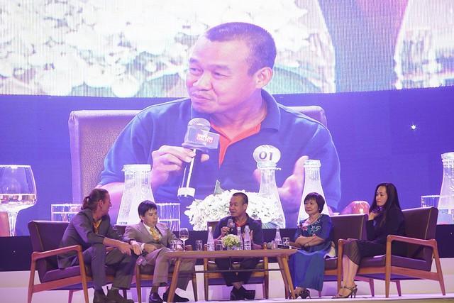 Ông Lưu Đức Khánh cùng các diễn giả tọa đàm về văn hóa quản trị.