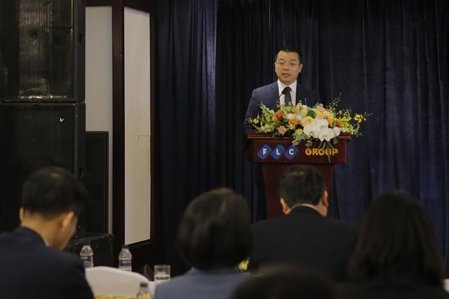 Tổng Giám Đốc Trần Quang Huy báo cáo về hoạt động KD năm 2017 và kế hoạch năm 2018