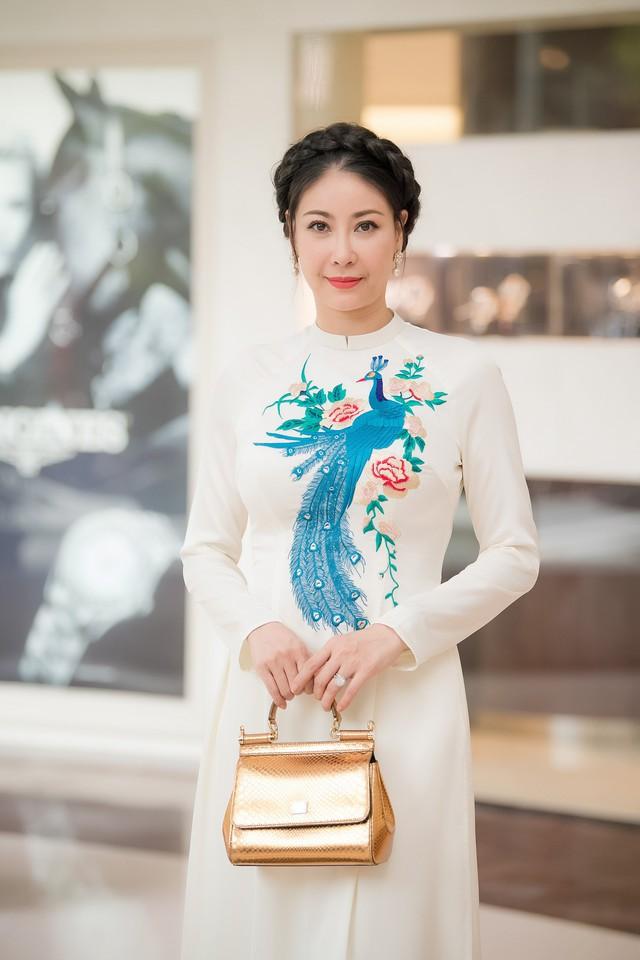 Hoa hậu Hà Kiều Anh - người đẹp đăng quang khi mới 16 tuổi